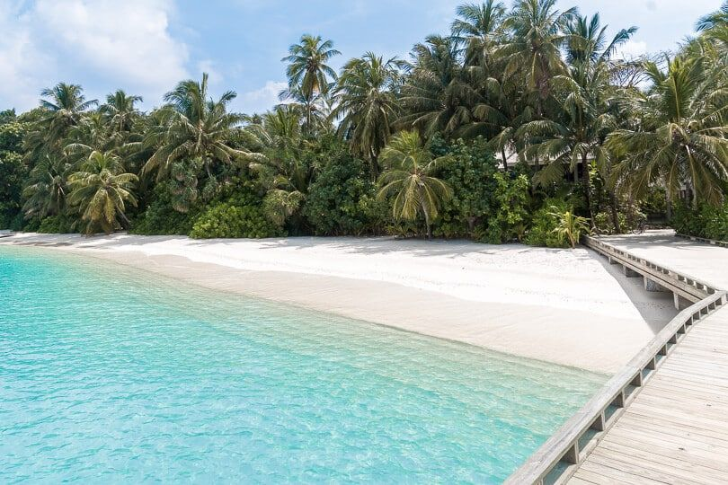 Kuramathi Maldives Resort Here S A Full Hotel Review Of This Island Paradise D Travel Hotel Maldives Paradise Wande Island Resort Maldives Resort Resort
