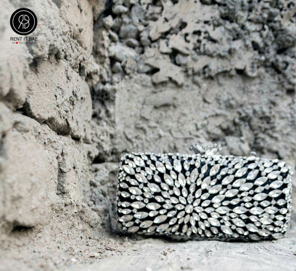 We are crushing on crystals this season,especially this handcrafted stone minaudiere heavy metal body clutch with beautiful crystal stone pattern. Grab it now on RENT IT BAE.  https://www.rentitbae.com/home/pdp/handcrafted-minaudiere-rib-7-crystal-and-black-rib_662  #rib #rentitbae #crystals #black #crystalandblack #clutch #metalbody #stonepattern #accessories #bagscollection #branded #womensfashion #renting #india #couture #glamup #womenstyle #dagphoto #fashionstyle #fashion