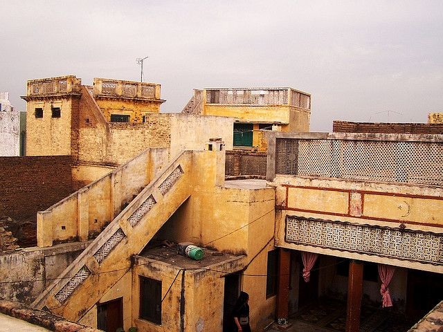 My old family house family houses pakistan and architecture for Architecture design house in pakistan
