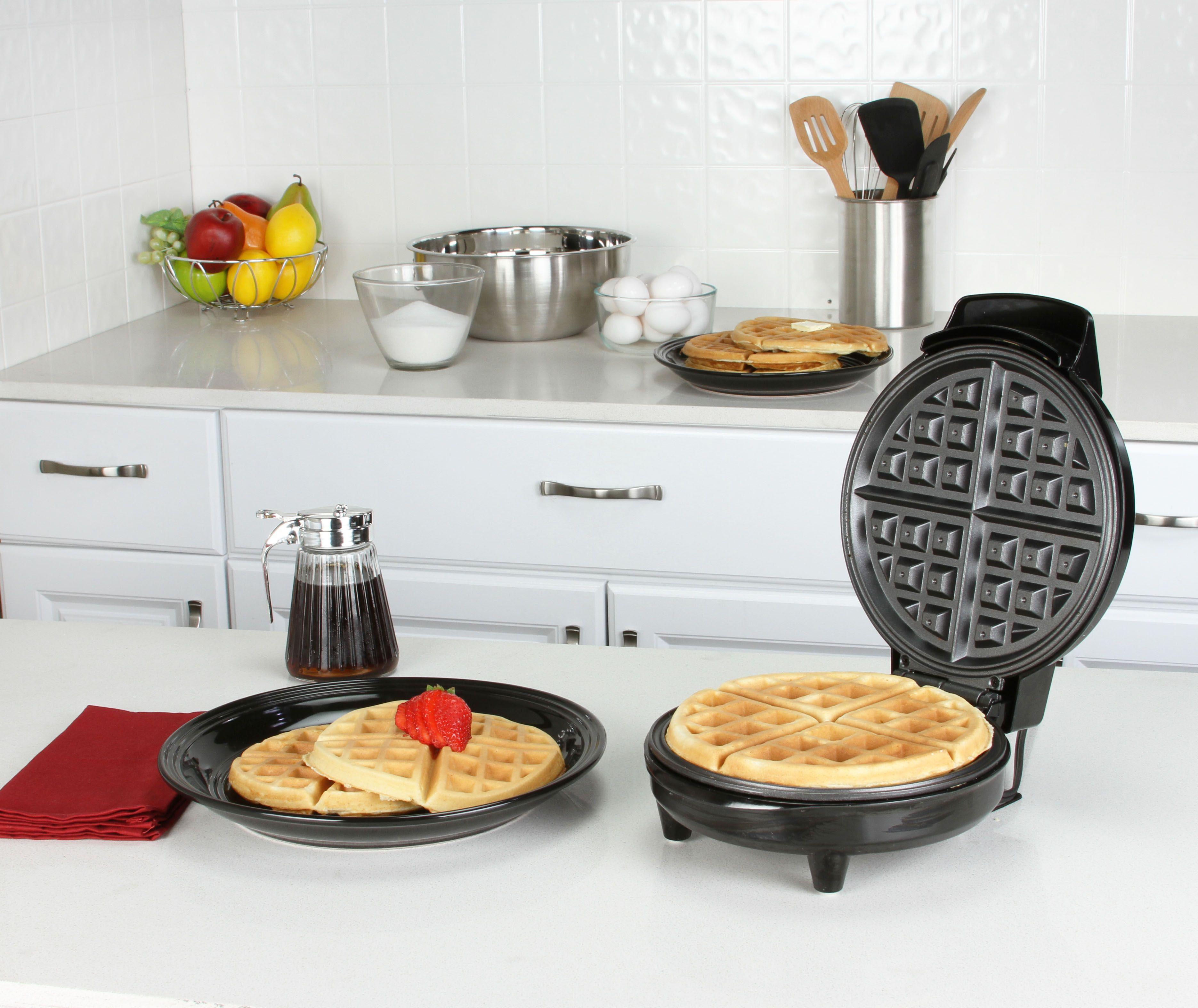 The Kalorik Traditional Belgian Waffle Maker Makes Large Fluffy Belgian Style Waffles With E Double Belgian Waffle Maker Belgian Waffle Maker Belgian Waffles
