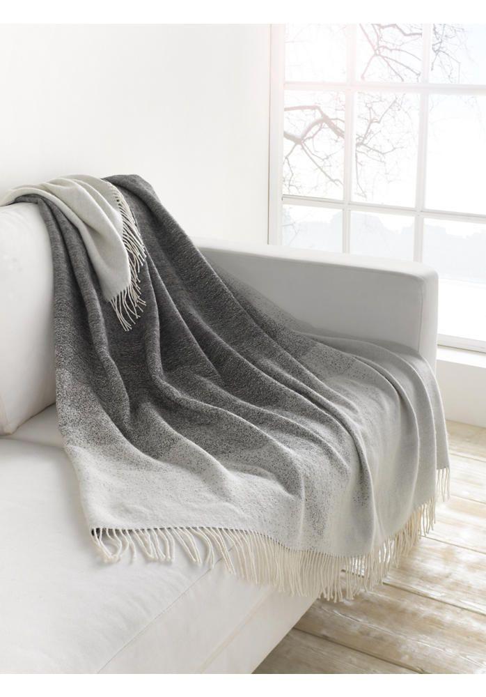 Luxuriose Wolldecke Mit Schonem Farbverlauf Gewebt Aus Kostbarer
