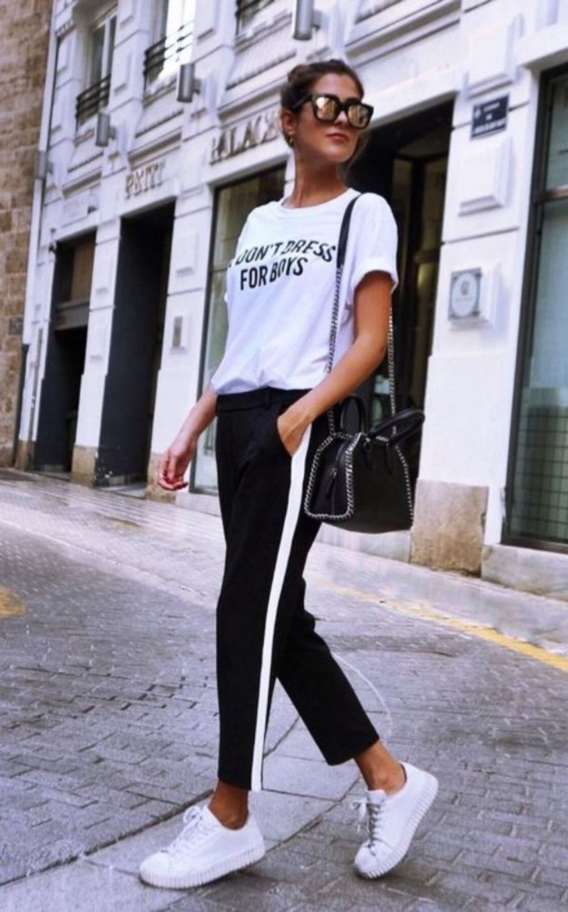 44 Casual and Informal Work Outfits With Sneakers - WB e837cafb7181a