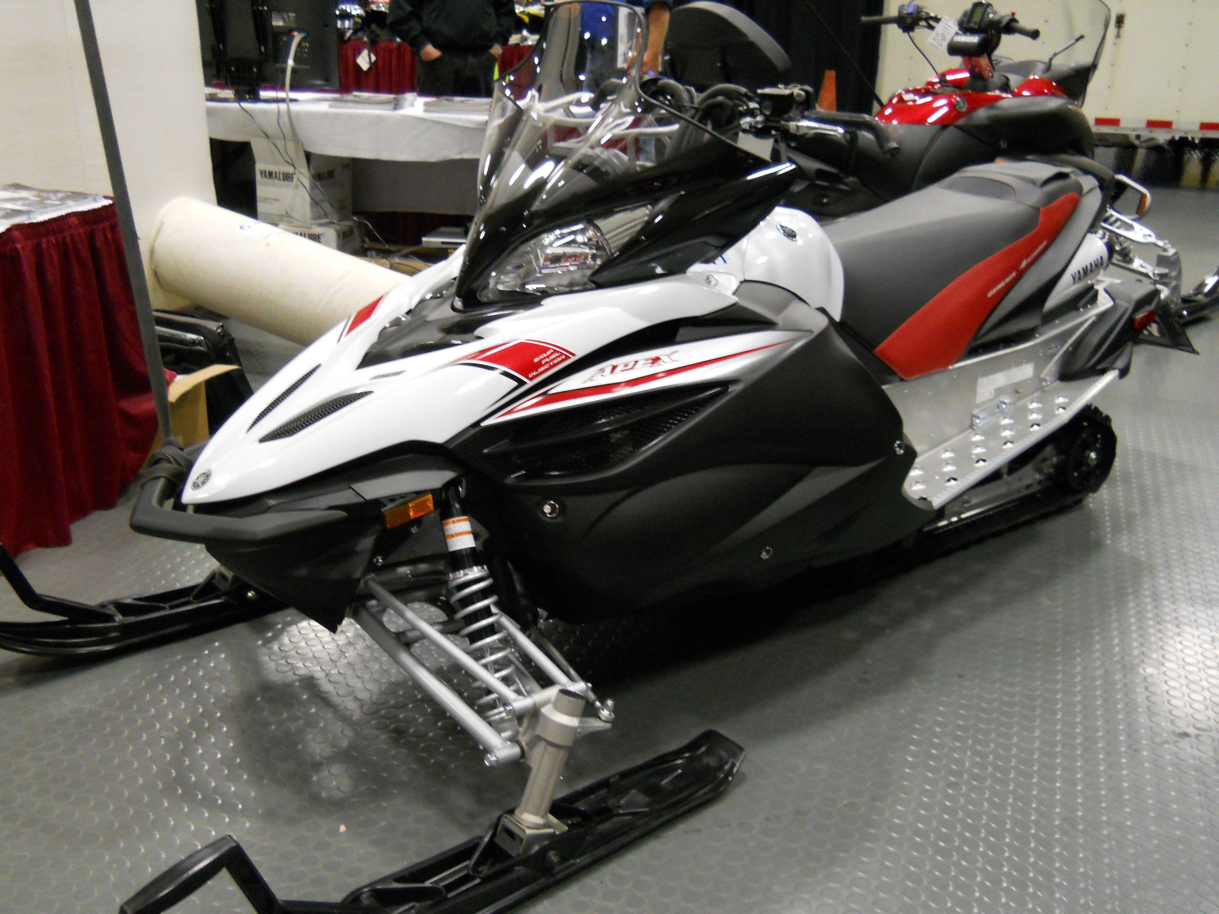 genesis apex 4 stroke yamaha snowmobile https www