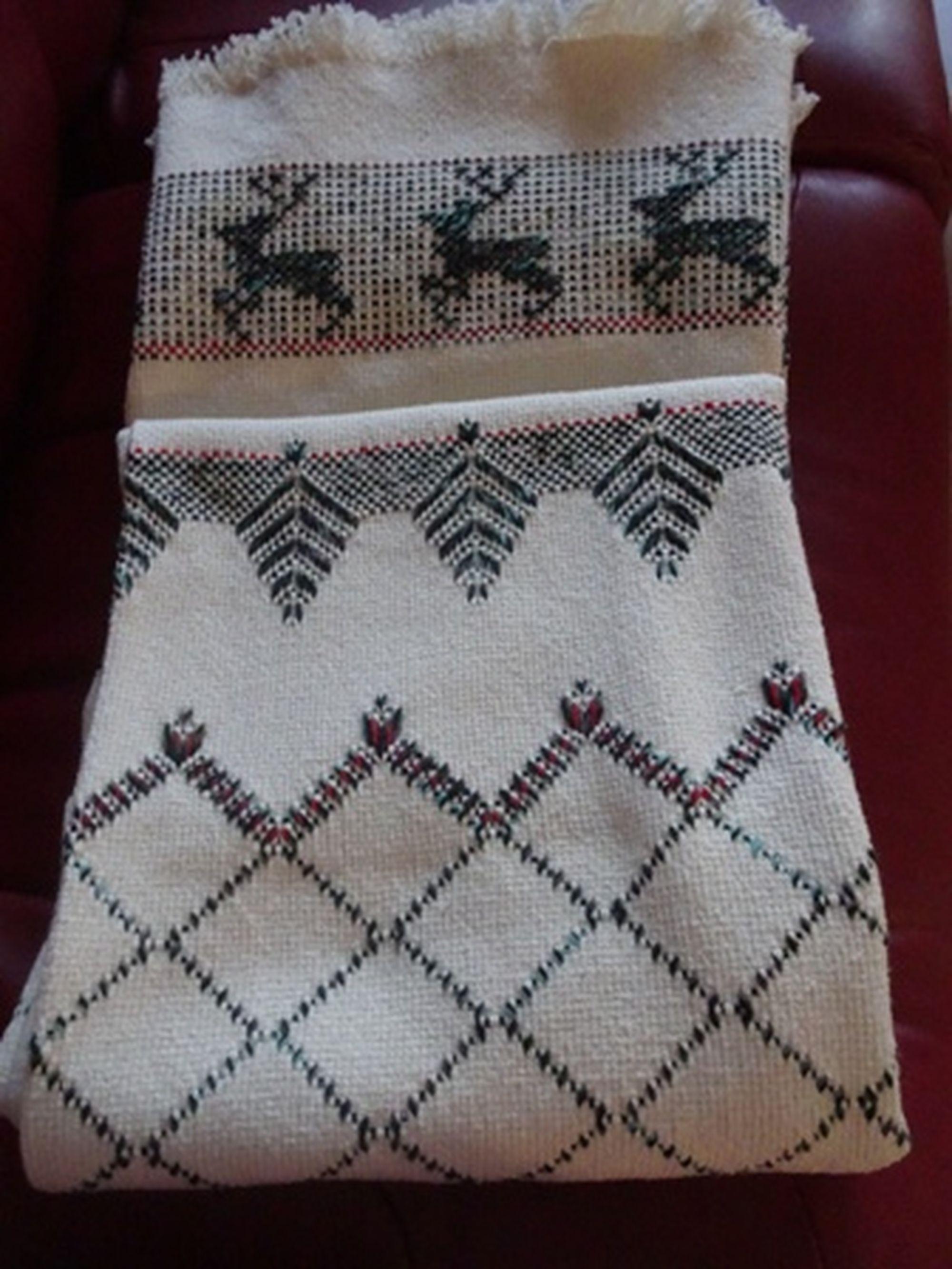 Jeté en broderie suédoise - Throw - Swedish Weaving - JE04 ...