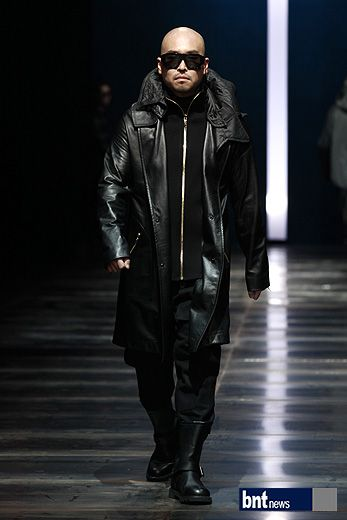 Bntnews Korea The Collection Resurrection Of Designer Lee Ju Young Was Progressed In F W 2012 2013 Seoul Fas South Korea Fashion Seoul Fashion Week Fashion
