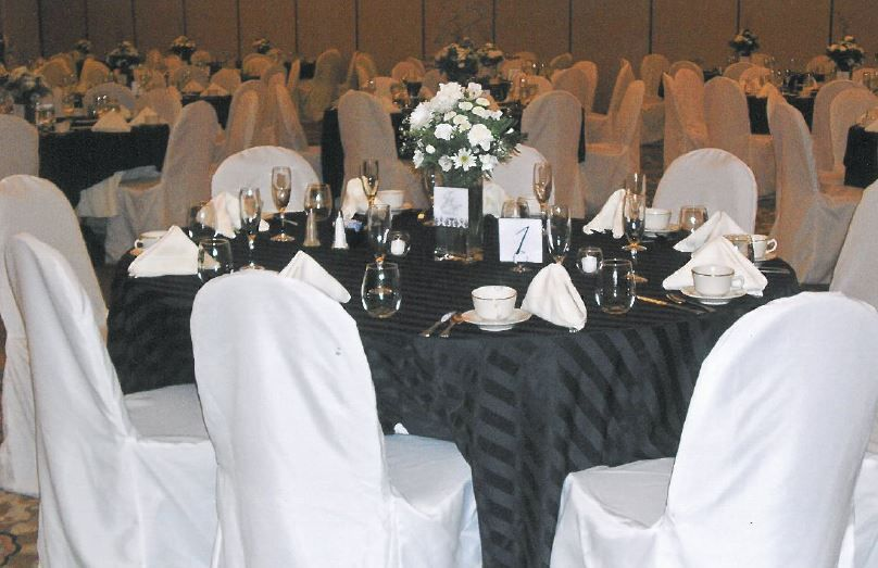 Black and White Wedding | The Center @ Holiday Inn | Breinigsville, PA | Call 610.391.1000 today for your tour!
