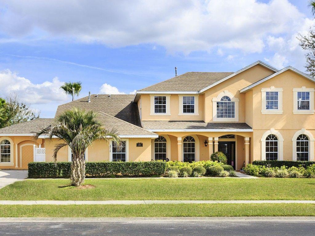 Vrbo Com 93876 Amazing 9 Bedroom Lakefront Cinema Wifi Pool Slide Disney 2 Miles Vacation Rentals Orlando Luxury Villa Rentals Luxury Vacation Rentals