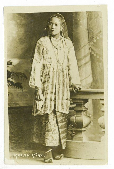 Photos Of Malay Women From Early 20th Century And Before Fashion
