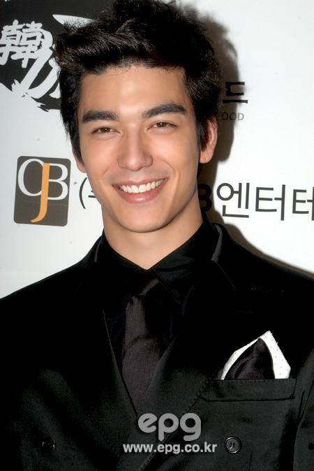 Half Asian Half White Men Google Search Dennis Oh Asian Male Model Asian Men Hairstyle