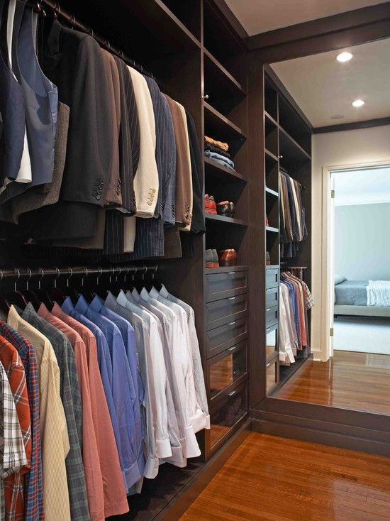 i like the idea of stacking the cloths to maximize space and i like