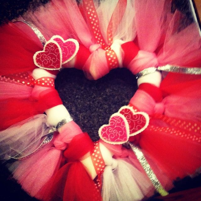valtine wreaths pinterest | Valentine Wreath | Valentine's Day crafts/decorating