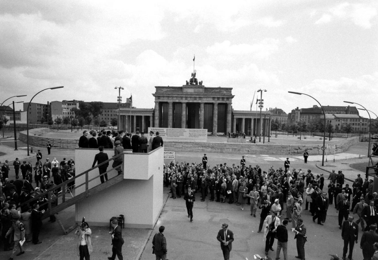 Ich Bin Ein Berliner Jfk In Berlin 1963 Www Lberger Ca Con Imagenes Historia