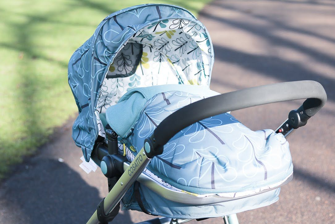 Deluxe Footmuff//Cosy Toes Compatible with Silver Cross Pushchair Pram Buggie Red