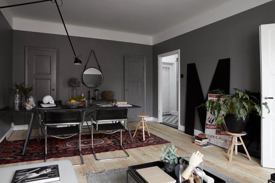Masculine dark color interior mannelijk stoer interieur met donkere