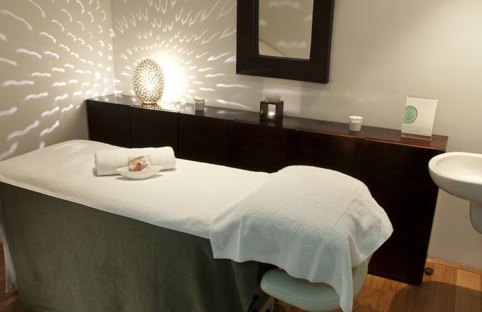 Pin By Laura Orebaugh On Work Esthetician Room Spa