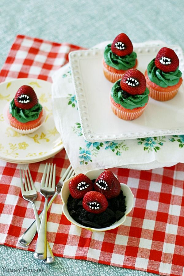 35 Spooky (But Delicious!) Halloween Food Ideas Halloween parties - halloween treat ideas