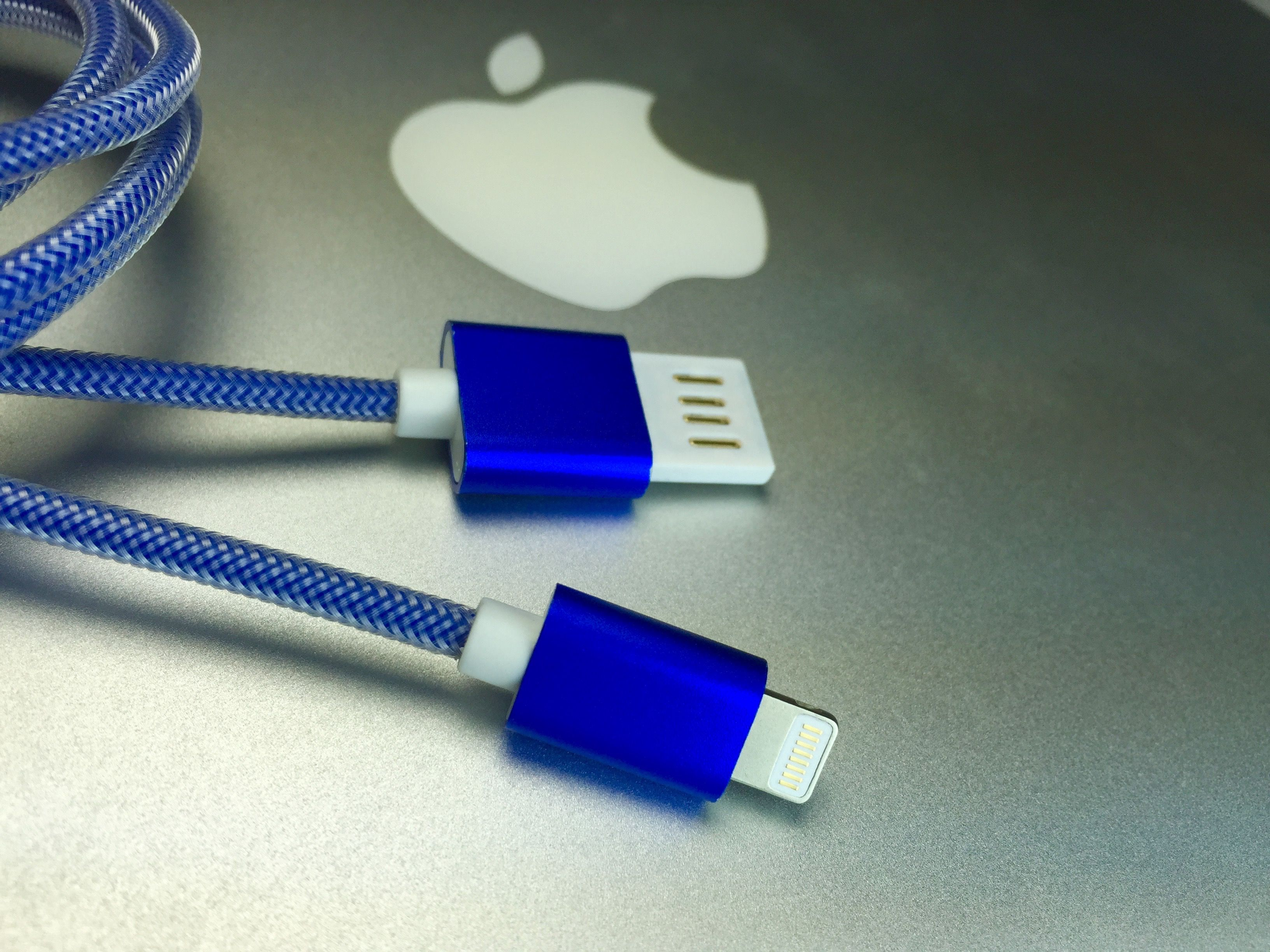 dio Naked Reversible USB cables for Lightning and Micro by