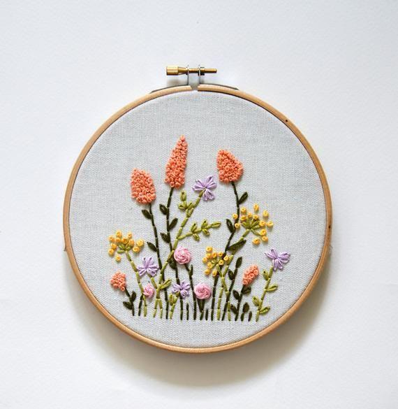 Beginner Floral Embroidery Pattern – DIY Flower Hoop – Botanical Hand Embroidery Pattern – DIY Hand Stitched Hoop Art – Easy Flower PDF