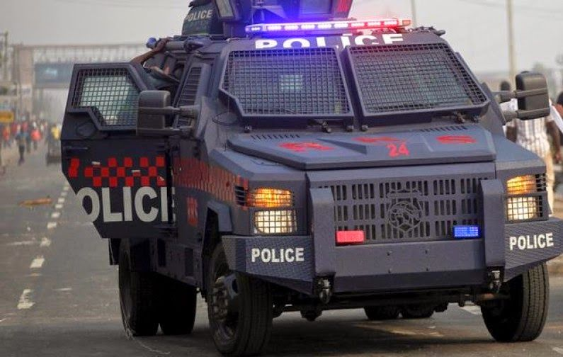 Headlines Nigeria: PANDEMONIUM BROKE LOOSE IN ZAMFARA AS ARMS AND AMM...