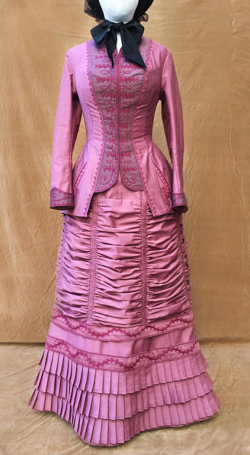 Victorian Dress 1880 Day Dress Walking Dress Victorian Dress 1880 Walking Dress Day Dresses [ 1816 x 1000 Pixel ]