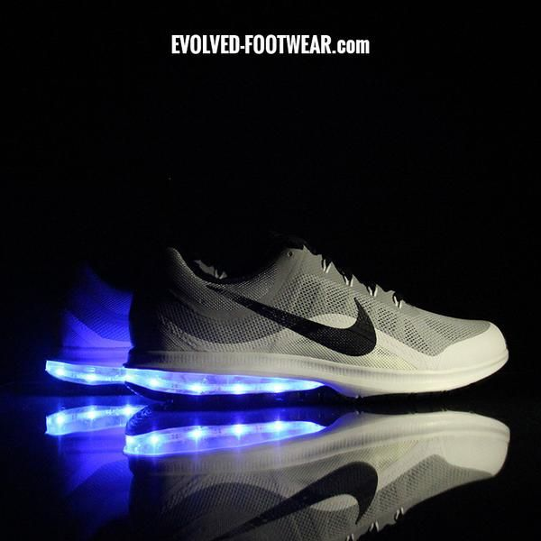 nike led light up shoes –