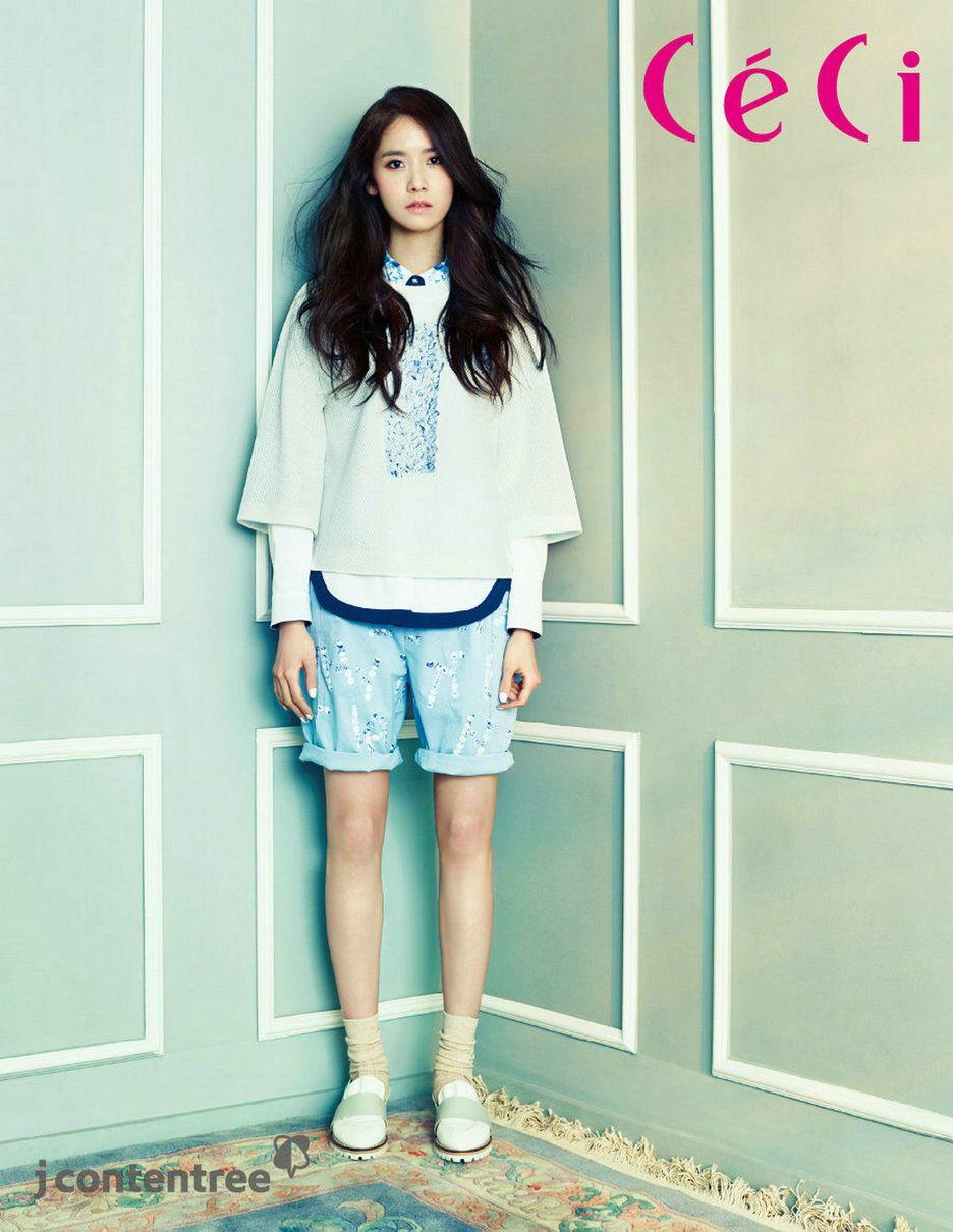 Blue v white dress yoona