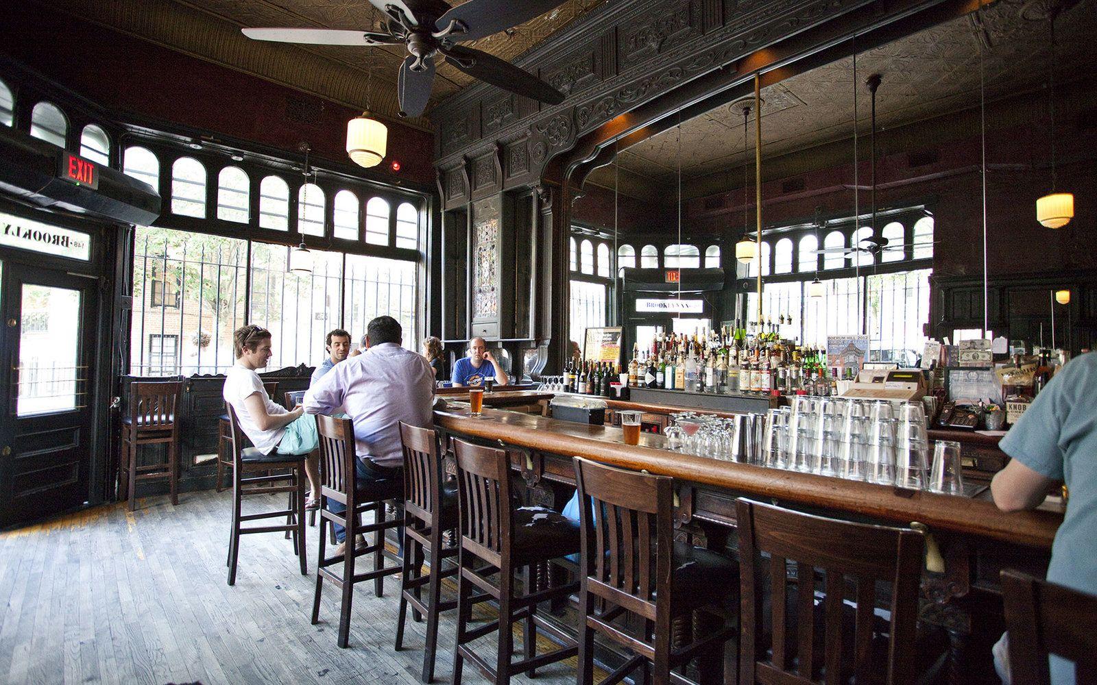 New York's Best Old School Restaurants and Bars   Cozy ...