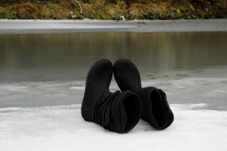 dbdbe9f5ca0a5 Felted boots Woolen boots Valenki Wool boots Black boots Handmade ...