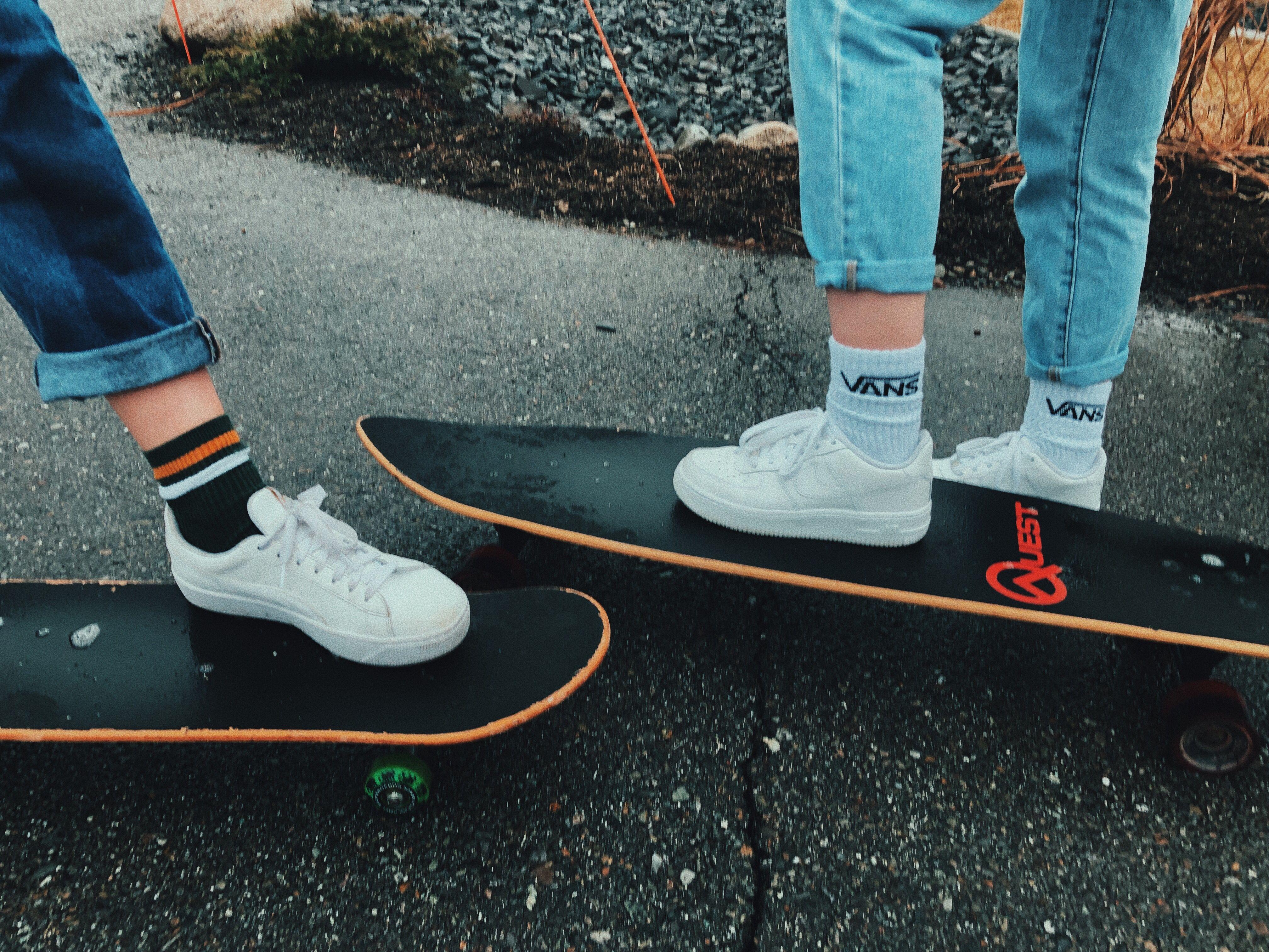 Skateboarding With Images Skateboard Vsco Hummel Sneaker