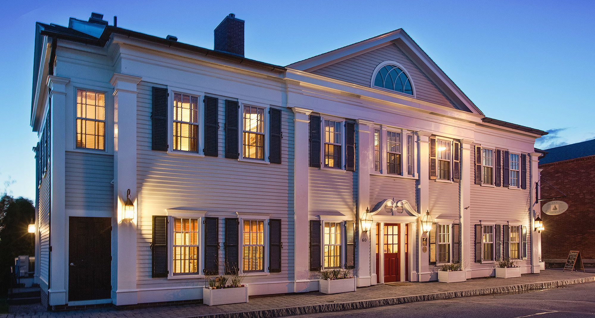 10 New England Inns With Fireplaces In Every Room In 2019