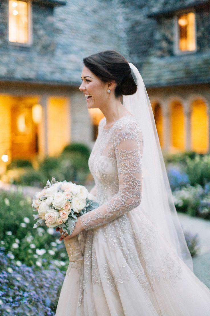 Romantic Winter Wedding at Napa Valley's Calistoga Ranch #weddingbridesmaidbouquets