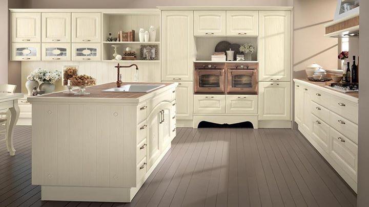 Un tocco di classe nell\'ambiente cucina con il fascino tradizionale ...