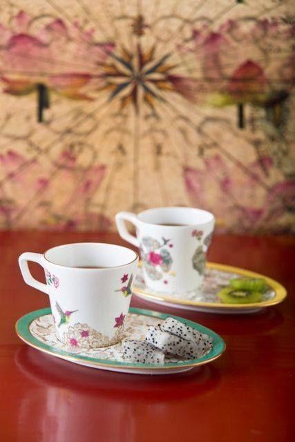 Canli Renklerle Dizayn Edilen Altin Islemeli Ve Cicek Desenli Serendib Fine Bone China Kahve Fincanlari Hint O Sustainable Luxury Platter Set Ceramic Painting