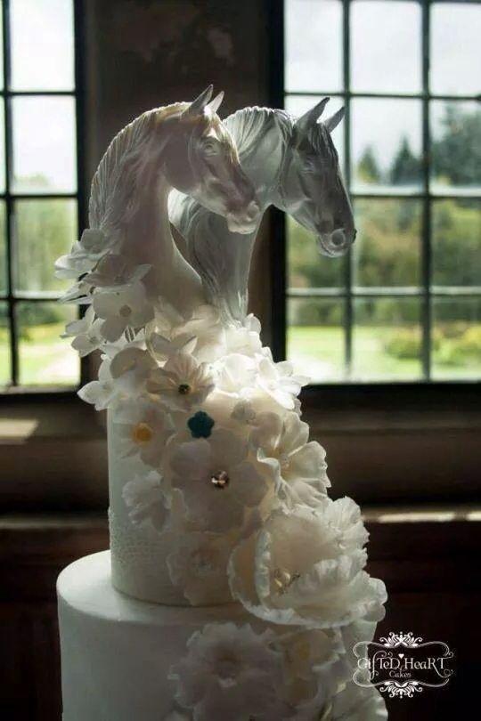 Beautiful Horse Themed Wedding Cake Equestrian Wedding Ideas