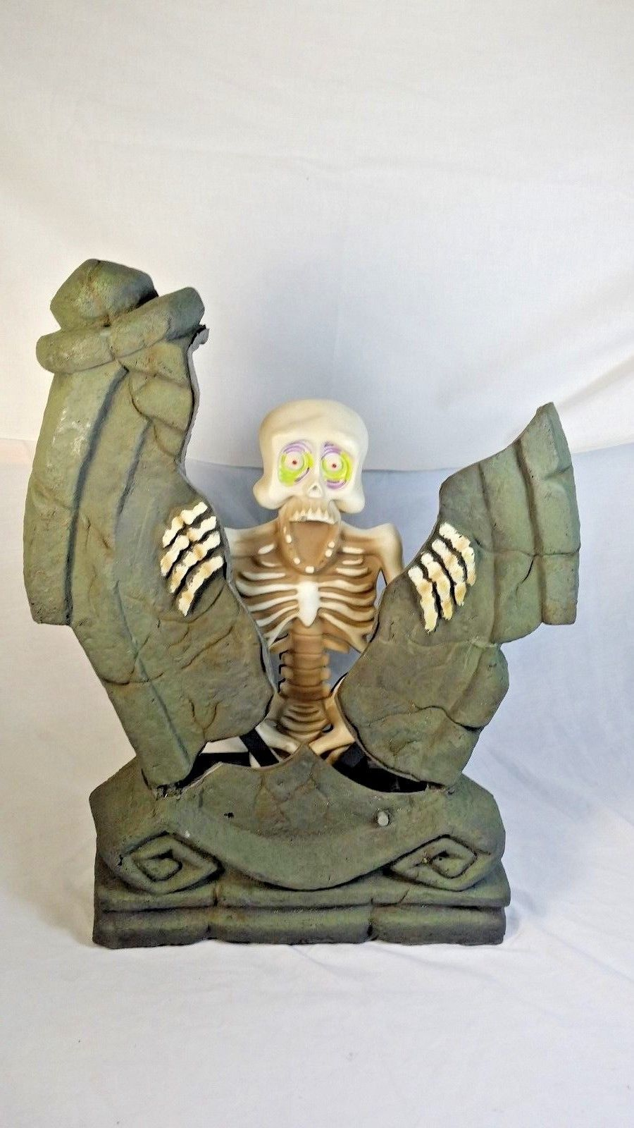 gemmy tombstone skeleton with