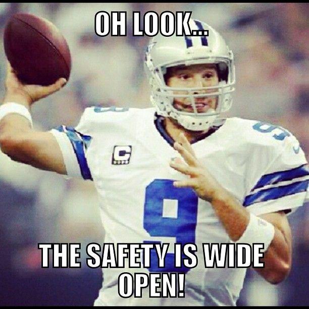 Pin By Ian On Dallas Cowboys Football Jokes Funny Football Memes Football Jokes Funny