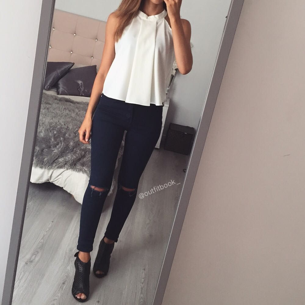 Look simple mais efficace  Top à col montant ref C430 / Bottines ref F61 www.outfitbook.fr