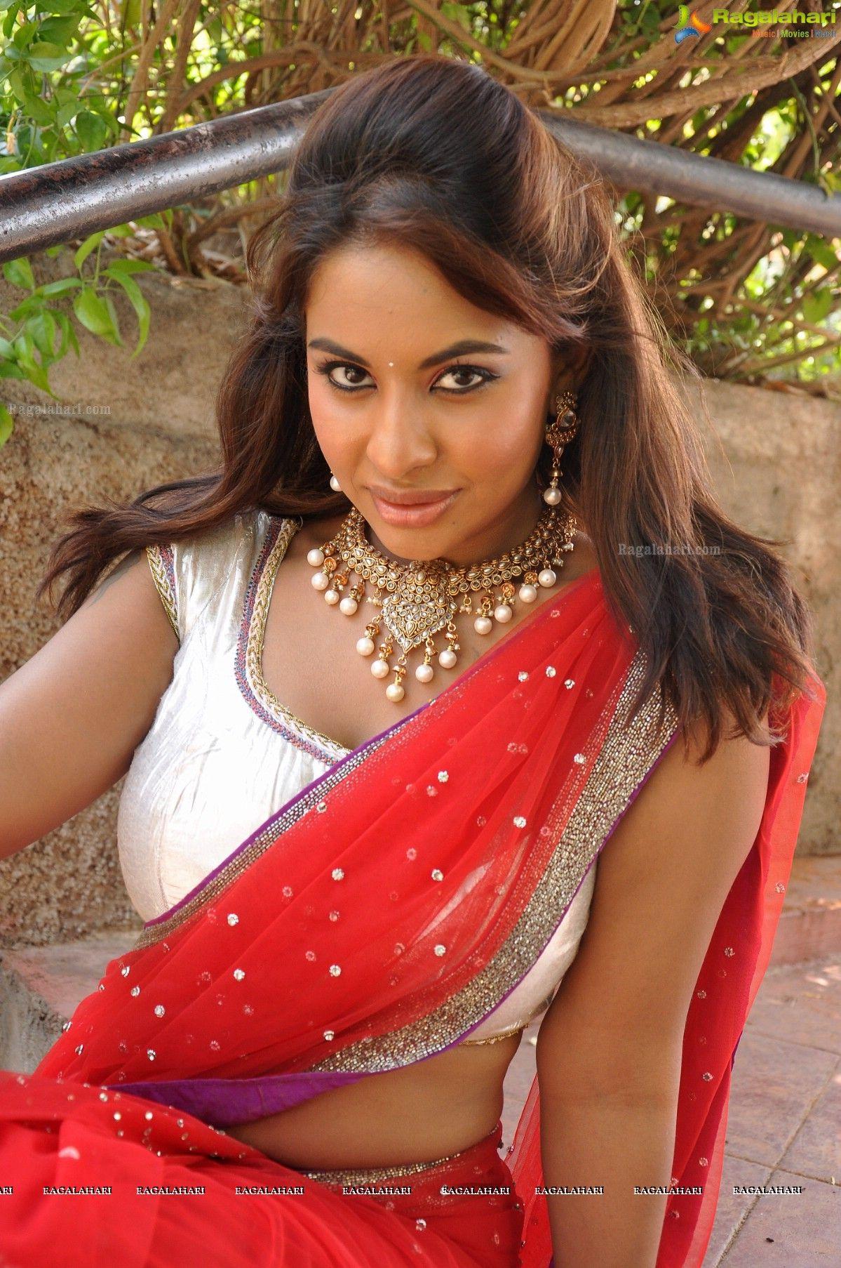 reddy saree Srilekha