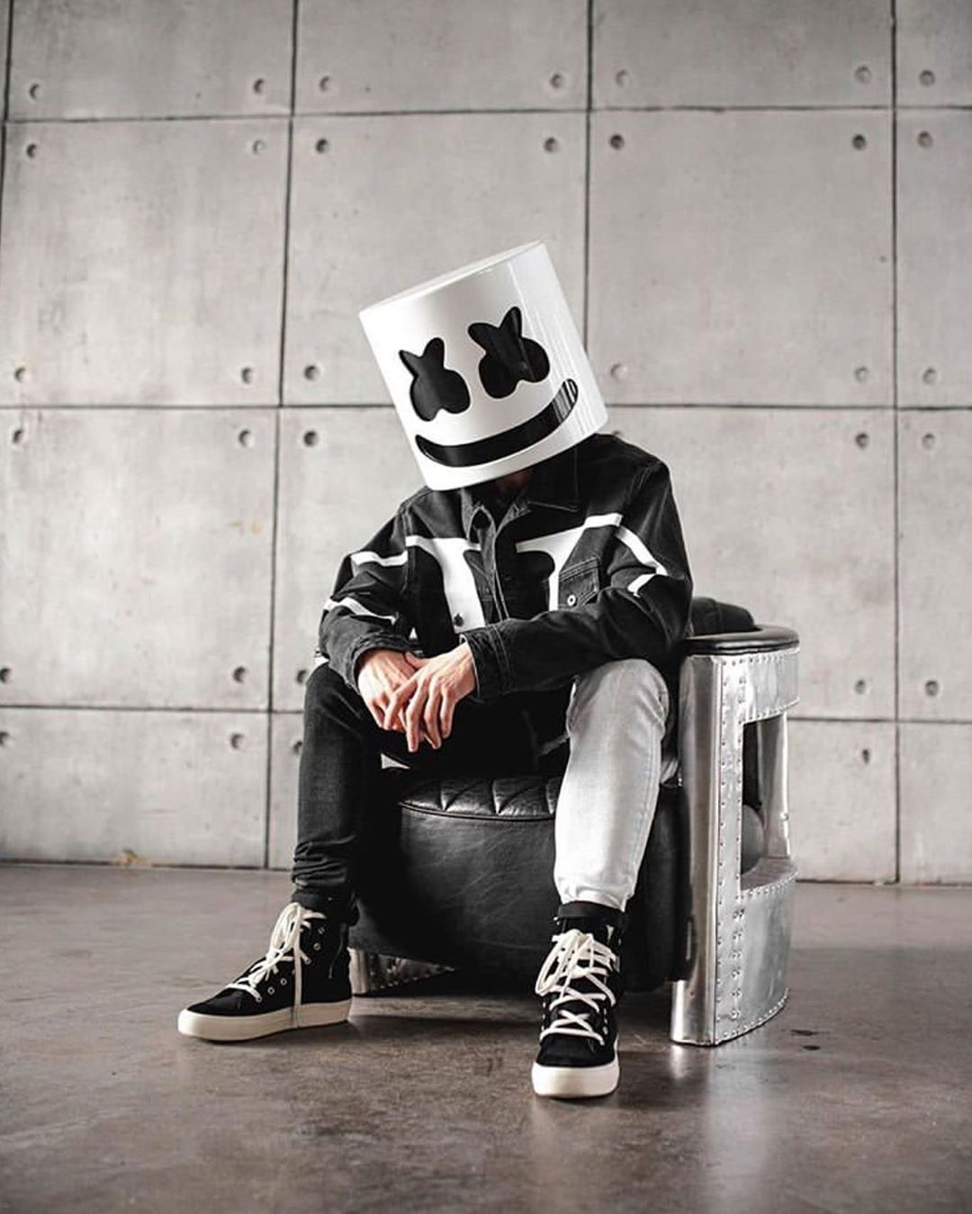 Marshmello Shared A Post On Instagram Stay Home Stay Safe Save Lives Follow Joker Iphone Wallpaper Adidas Logo Wallpapers Download Cute Wallpapers