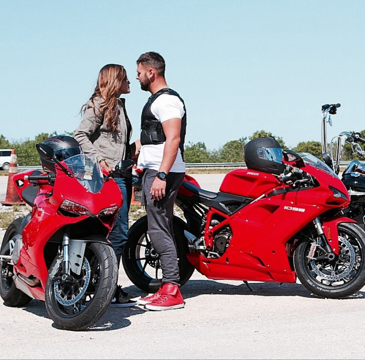 Ducati 899 Panigale Vs Ducati 1098 Motorcycle Culture Racing