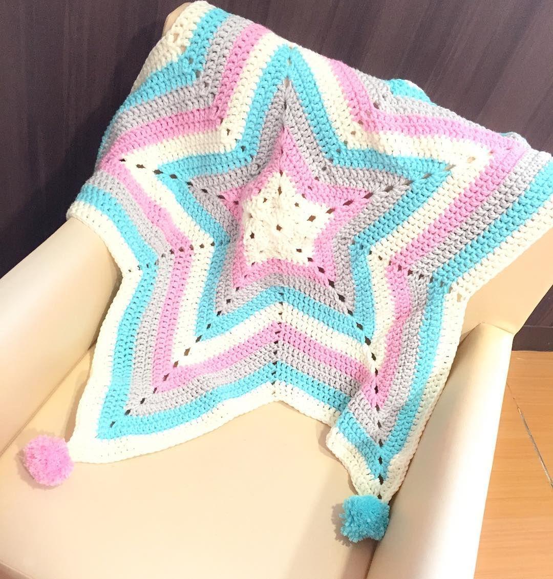 Another blanket for #babyli  快d出黎見媽媽 #hk #hkig #hkiger #hongkong #crochetaddict #crochetblanket #crochet #crochetbabyblanket #happy #happymama #38weeks #mrsli #mrandmrsli #star #babygirl by charpnli