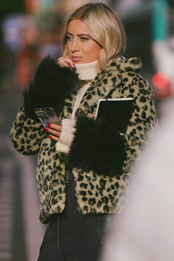 a027bdf6da Hannalicious X Na Kd Sleeve Detailed Faux Fur Leo Jacket