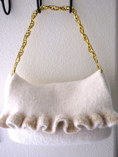 Gold Ruffle Felted Purse pattern by Deborah O\'Leary | Artsy stuffs ...