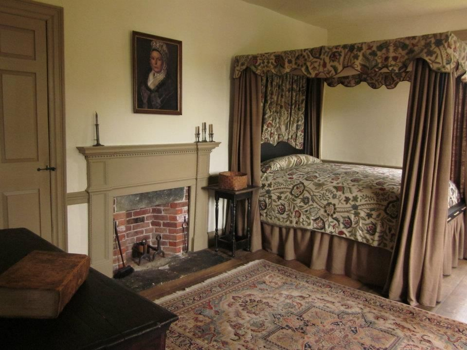 So classy and so quiet american colonial country for Colonial bedroom ideas