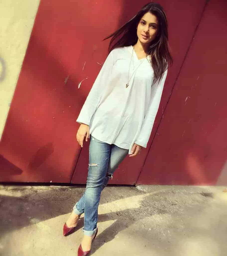 Jennifer Winget Biography, Age, Family, Net Worth In 2020 ...