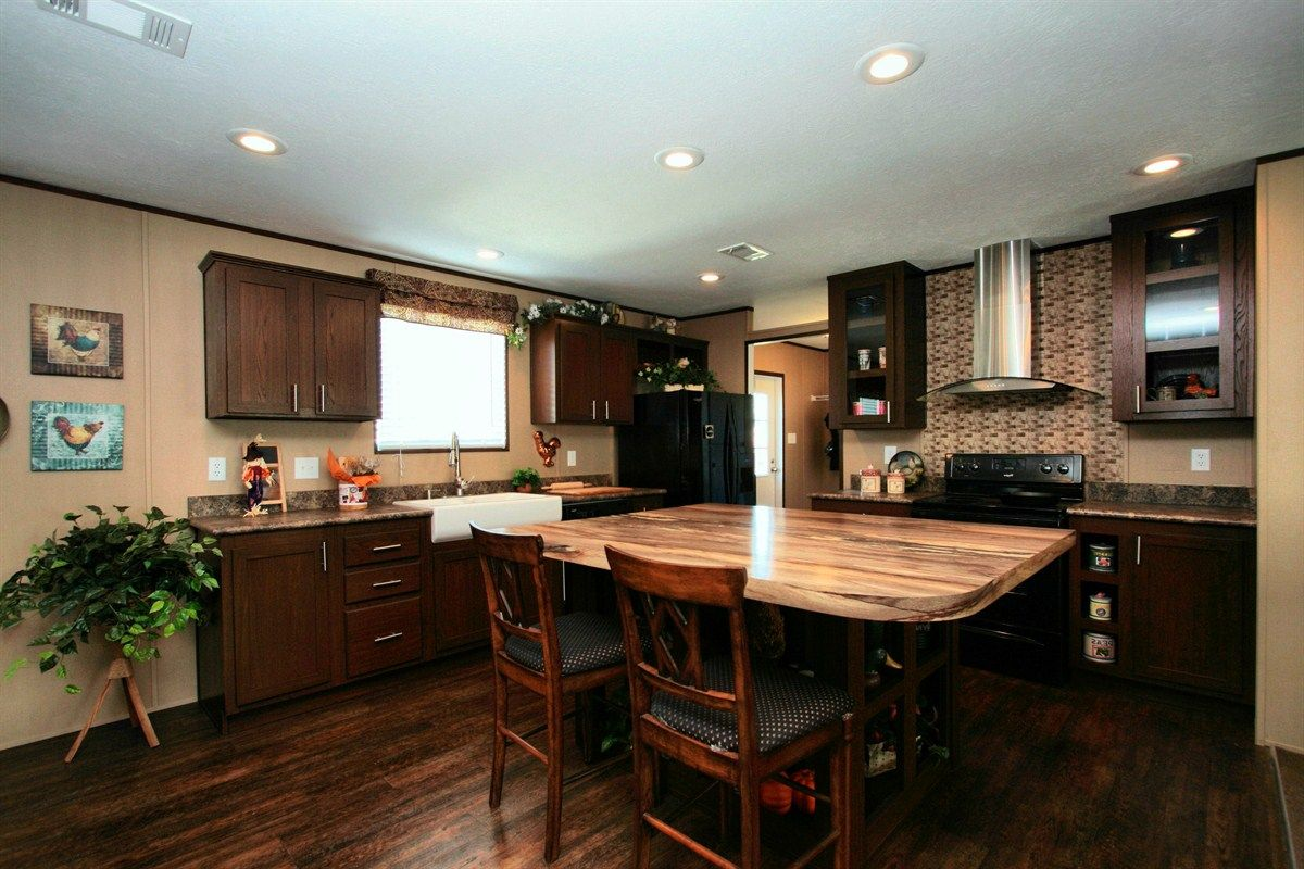 Photos THE RED HEAD 30CDR28523AH Clayton Homes of