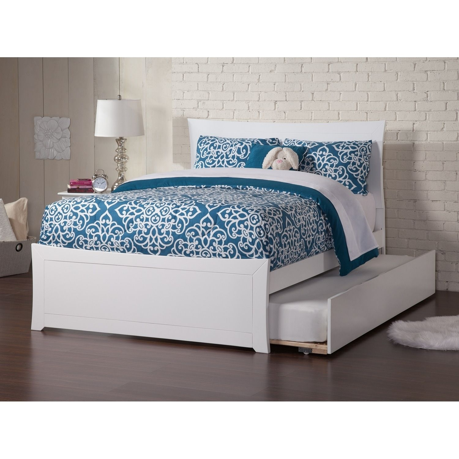 Metro Full Platform Bed with Matching Foot Board with Twin