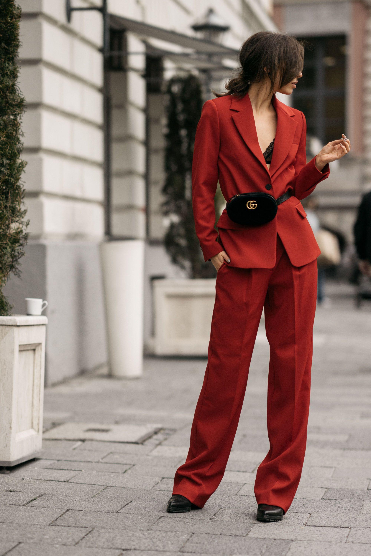Street Style In Berlin Aw17 Outfit Mode Zweiteiler Rot Meitaviamp039s Kulot Denim Midi Culottes Mango