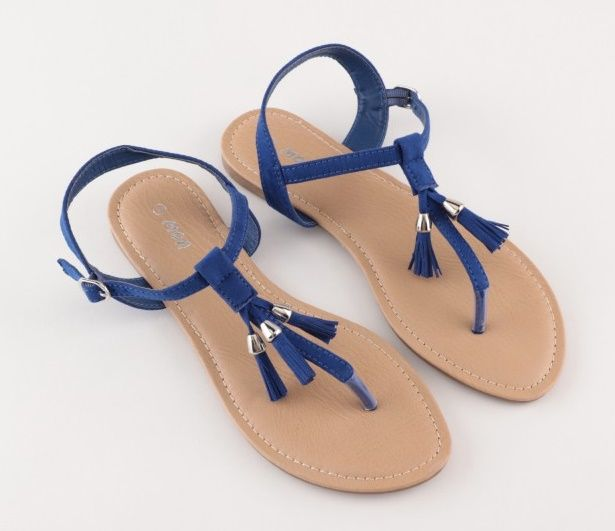 Soldes sandales entre doigts : foncez chez Moa ! | Sandalias