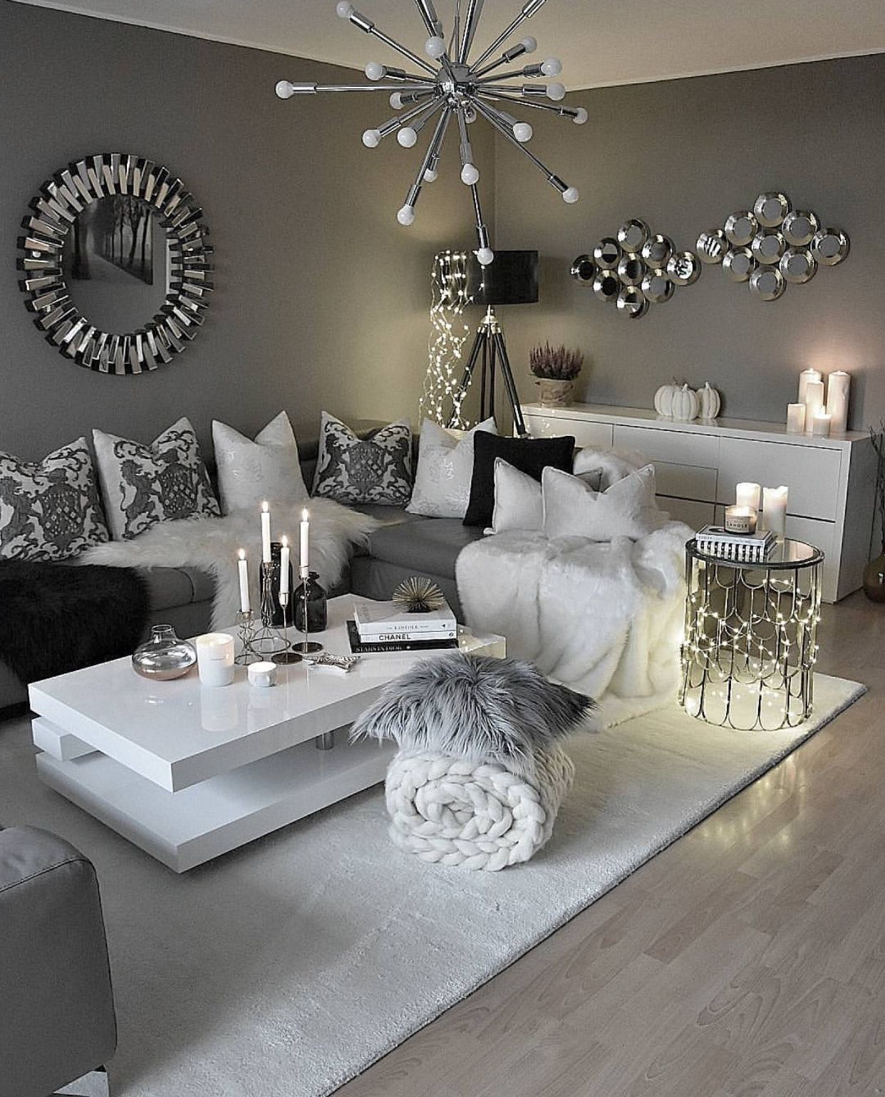 The living room is one of the most important areas in your house for a great hosting experience. Pin by 👅 on Home Sweet Home | Modern glam living room ...